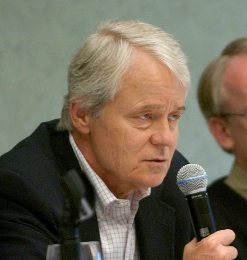 John Carroll, then executive vice president and editor of The Los Angeles Times, speaking at a panel discussion with fellow editors in 2003. Carroll died Sunday at age 73.