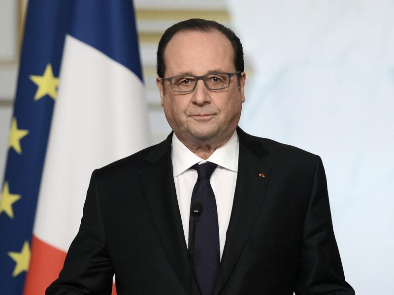 French President Francois Hollande delivers a speech after the weekly cabinet meeting on Wednesday.