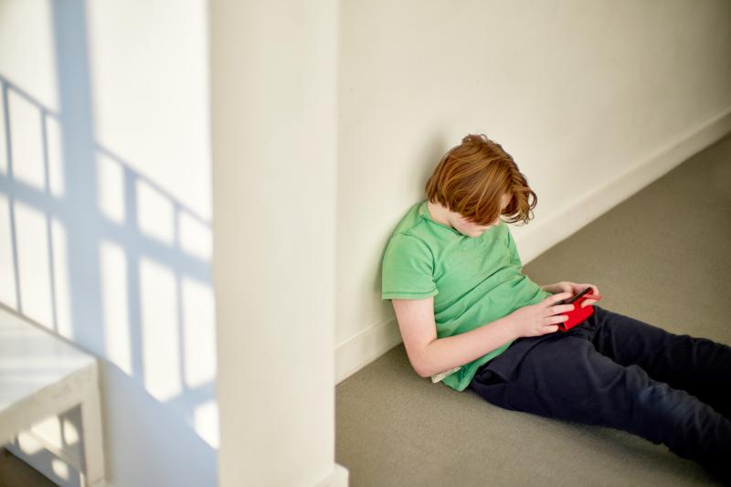 During the era that social media and smartphones has risen, depression and stress among young people has also risen.