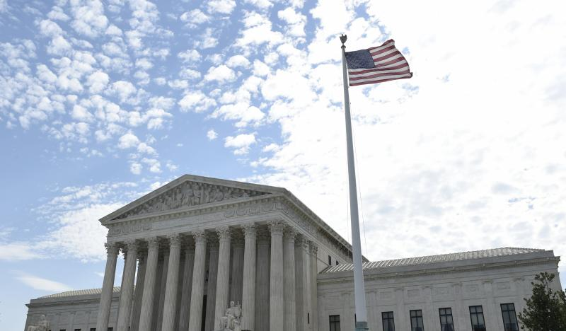 U.S. Supreme Court Delays Order For North Carolina To Redraw Maps ...