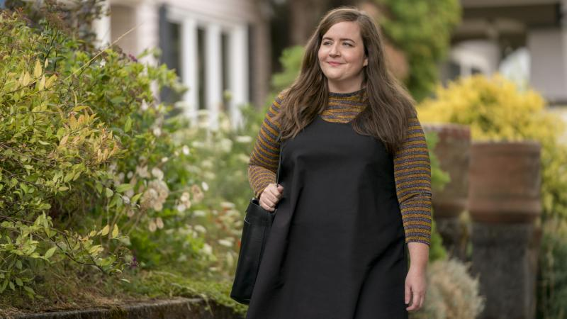 Aidy Bryant plays a young journalist named Annie in the Hulu comedy Shrill. The series is based on Lindy West's 2016 memoir.