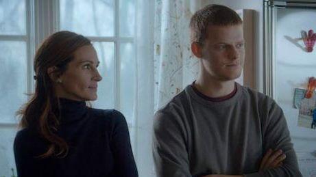 Hey-La, Hey-La: Holly (Julia Roberts) keeps a watchful eye on her son Ben (Lucas Hedges) in Ben is Back.