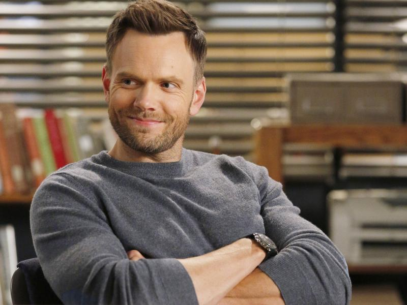 Joel McHale as Jeff Winger on Community.
