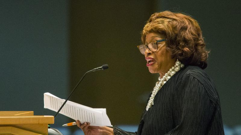 ex rep corrine brown sentenced to 5 years for stealing from bogus