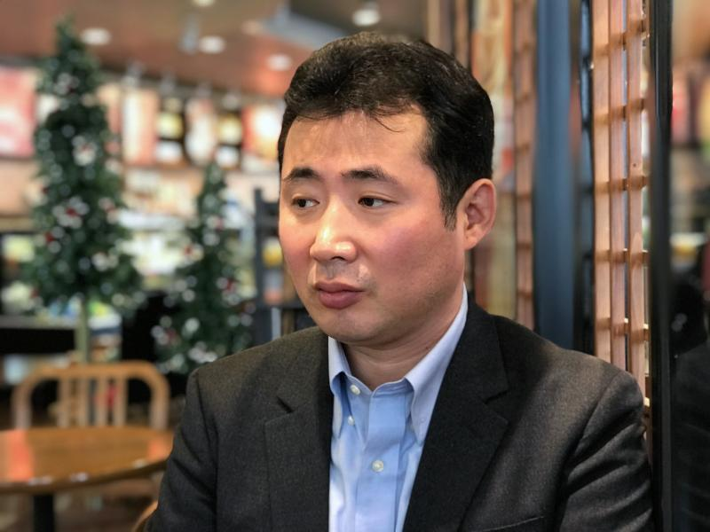 South Korean journalist and former North Korean defector Kim Myong Song speaks at a cafe in Seoul. The government's decision to ban him from covering an inter-Korean meeting raised concerns about press freedom.
