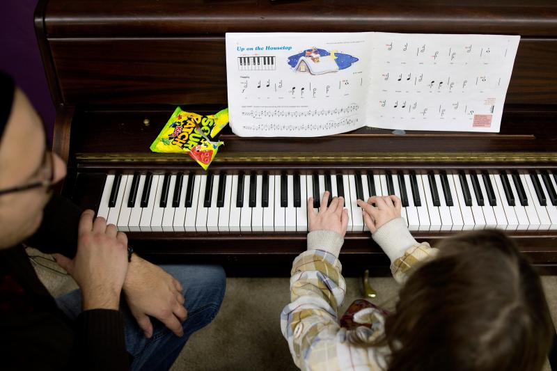 Free Music Lessons Strike A Chord For At Risk Kids 885 Wfdd