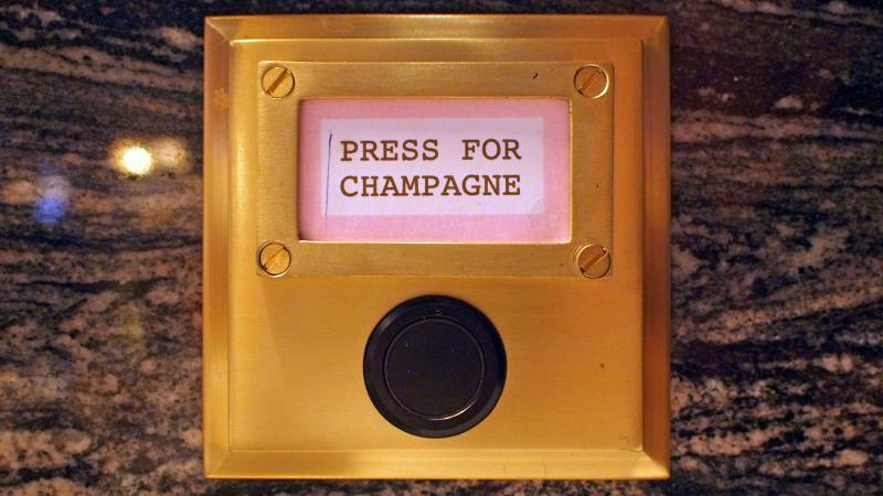 Bob Bob Ricard, the high-end London restaurant where every table has a Champagne call button, hasn't seen much change in the checks since it has been offering discounts during off-peak hours.