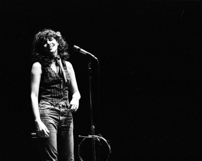 Linda Ronstadt performs in 1970.