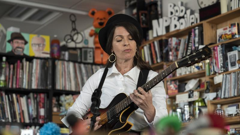 Jesca Hoops plays a Tiny Desk Concert (Kisha Ravi/NPR).