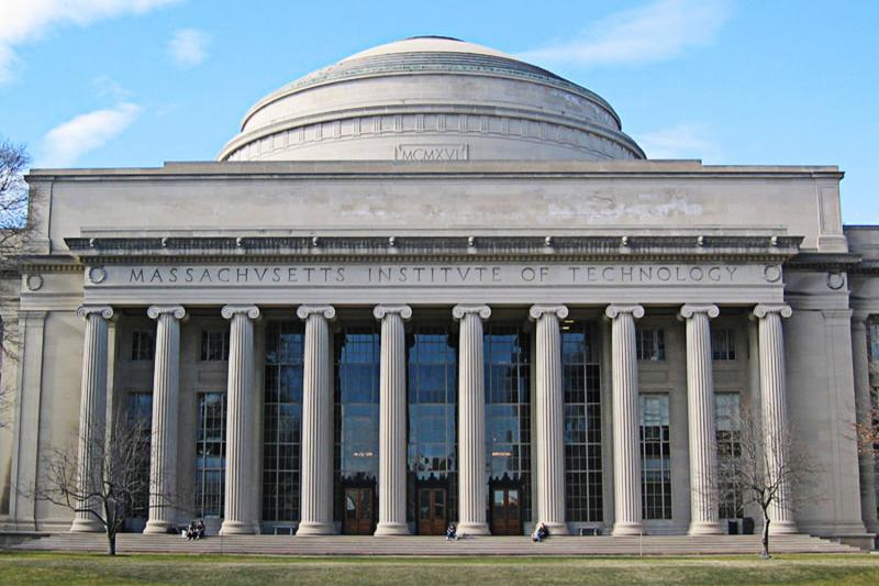 A lawsuit headed to trial in September alleges that MIT ignored the advice of its own consultants and allowed Fidelity to pack the university's retirement plan with high-fee investment funds.