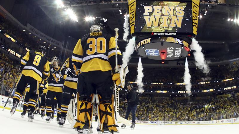 Rinne pulled, Pens lead Preds 4-0 in 2nd period