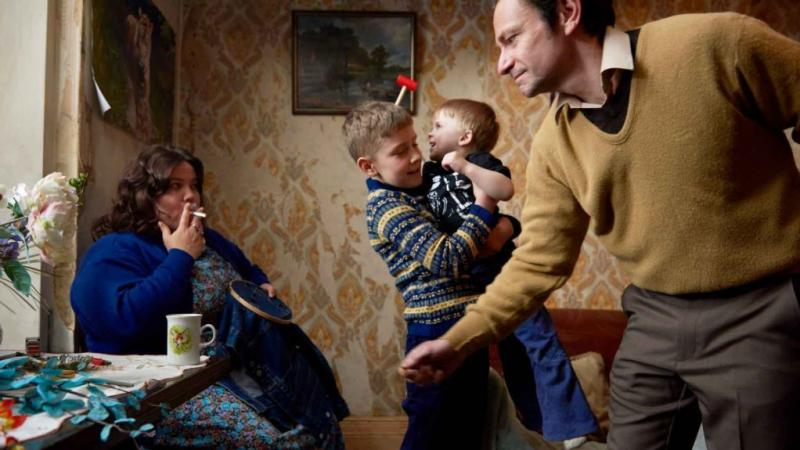 Misery loves company in Ray & Liz, a semi-autobiographical drama about a working-class British family from photographer Richard Billingham.