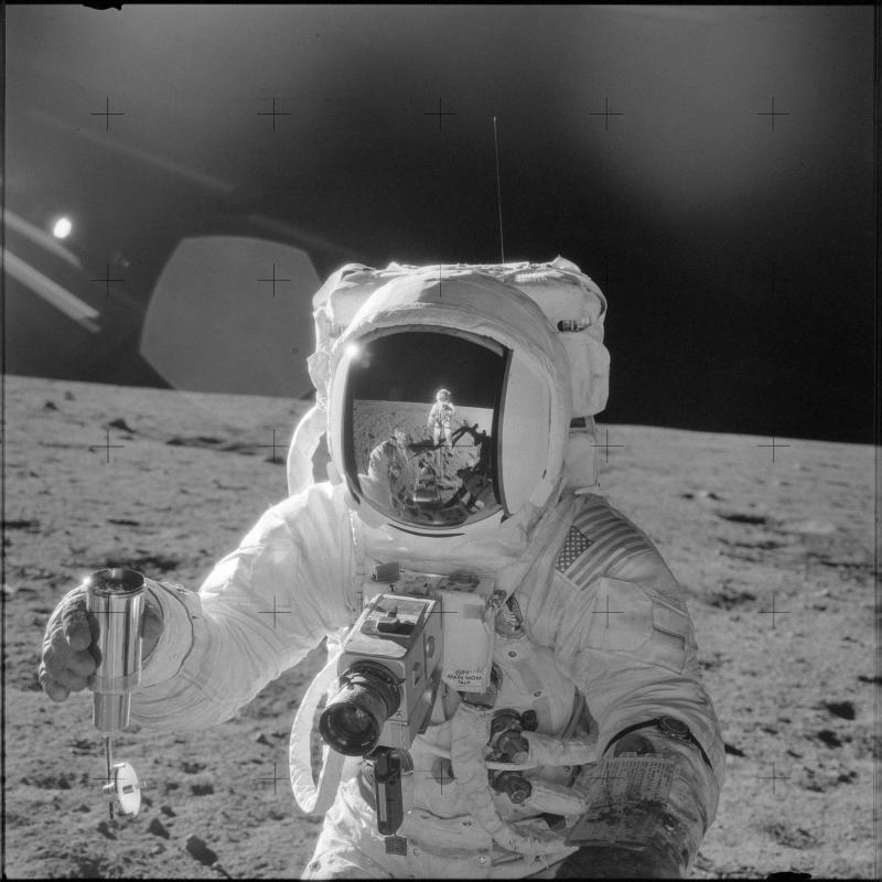 astronauts that went to the moon - 800×800