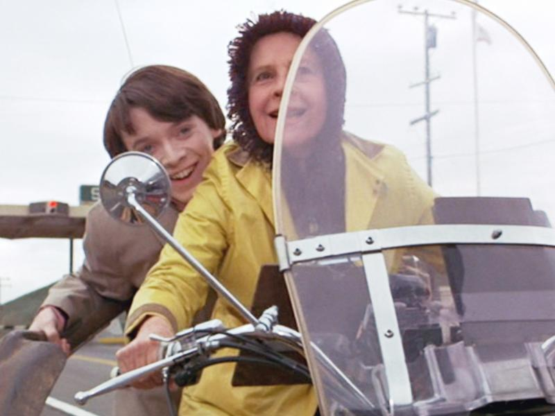 "In the 1971 movie ""Harold and Maude,"" Bud Cort play Harold and Ruth Gordon, Maude."