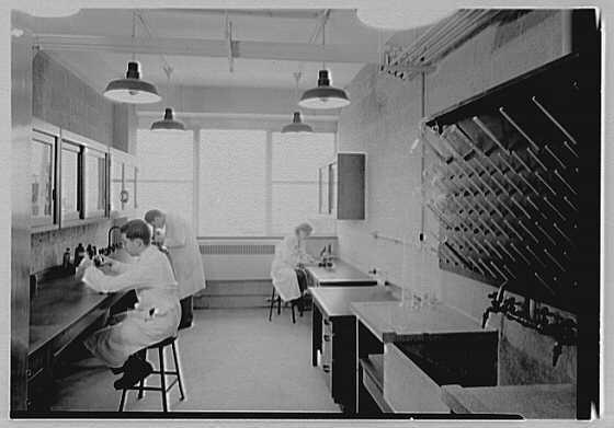 A laboratory in New York City's Bellevue Medical Center on May 17, 1949.
