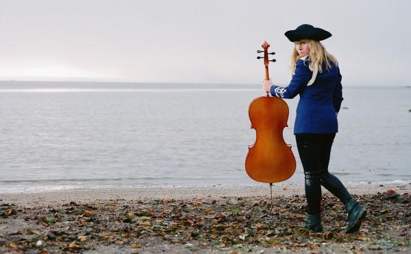 Linnea Olsson's debut album is called Ah!