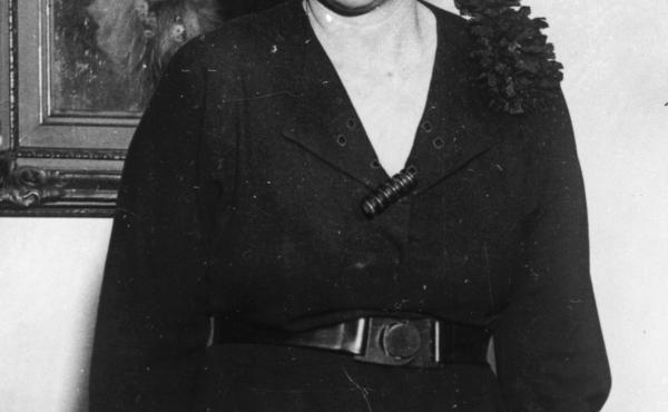 Pearl Buck was born in West Virginia but spent much of her childhood in China, where her parents worked as missionaries.