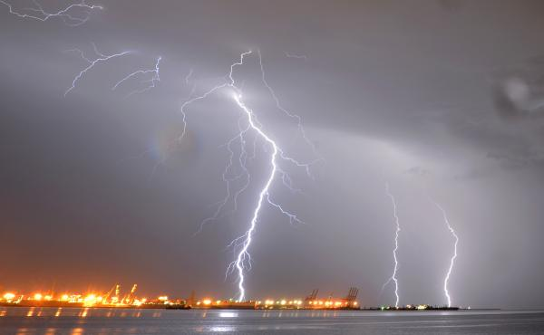 "Why does thunder rumble? Acoustic professor Trevor Cox explains that it has to do with the way lightning is a jagged line. ""Each little kink is actually generating the sound, and the reason thunder rumbles is because the sound takes different time to come"