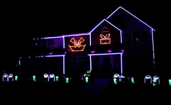 "A house in Odenton, Md., uses thousands of lights to sing and dance along to popular songs — like Silento's ""Watch Me (Whip/Nae Nae)."""