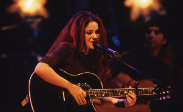 Shakira onstage during her MTV Unplugged performance, recorded in New York in 1999 and released as a live album in early 2000.