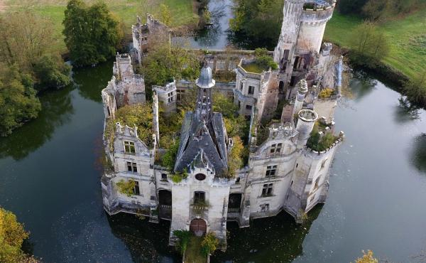 The ruined castle of La Mothe-Chandeniers in central western France. The crowdfunding site Dartagnans organized an effort to buy the chateau for 500,000 euros.