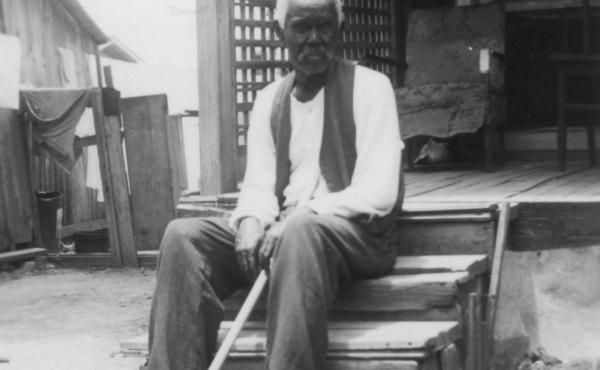 """Former slave Felix Haywood, 92 years old when he was photographed in San Antonio in 1937, told an interviewer, """"All we had to do was walk, but walk south, and we'd be free as soon as we crossed the Rio Grande."""""""
