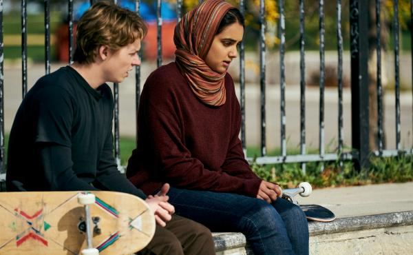 Hala (Geraldine Viswanathan) keeps her relationship with Jesse (Jack Kilmer) a secret in Hala, now streaming on Apple TV+.