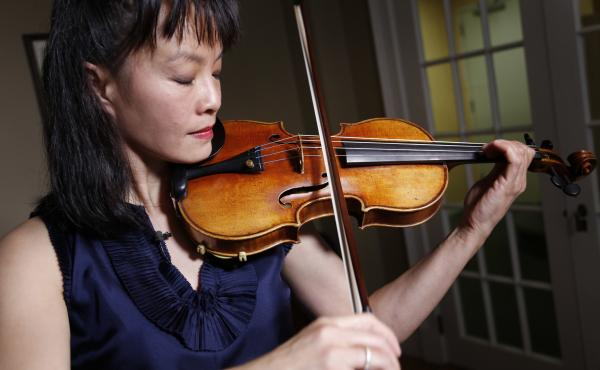 Mira Wang plays Roman Totenberg's long lost Ames Stradivarius violin in New York, on March 8, 2017. Wang, a former student of Totenberg's, played the instrument at a private concert in New York on March 13.