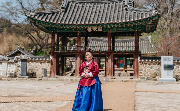Lee Bae-yong, the first woman to officiate a Confucian ceremony in the country's long history with Confucianism, at Museong Seowon, a UNESCO World Heritage site.
