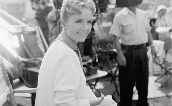 Debbie Reynolds on the set of For Love or Money.