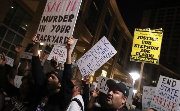 Hundreds of BLM protesters marched through the streets of Sacramento on March 30 demanding justice for Stephon Clark, who was shot and killed by Sacramento police on March 18. An independent autopsy commissioned by the Clark family revealed that Stephon C