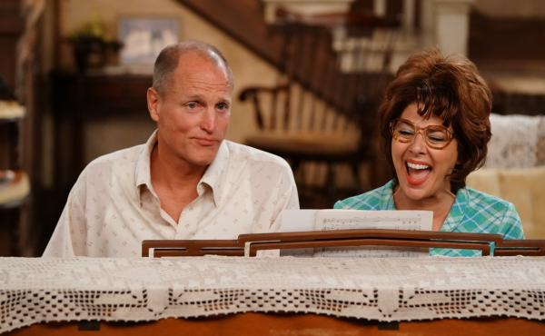 Woody Harrelson and Marisa Tomei starred as Archie and Edith Bunker in ABC's re-creation of All in the Family and The Jeffersons, a live event staged in front of a studio audience and broadcast in TV's prime time.