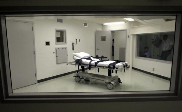 Alabama's lethal injection chamber in 2002 at Holman Correctional Facility in Atmore, Ala.