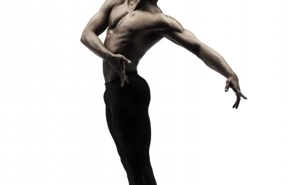 Jamar Roberts, the first resident choreographer of the Alvin Ailey American Dance Theater, is the creator of Ode.