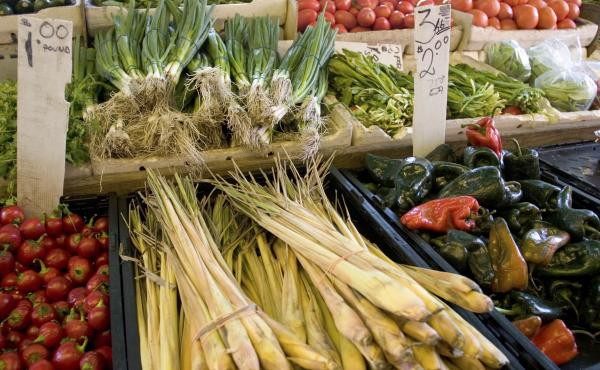 Confused about all the different sustainability ratings out there? The simplest option may be to shop at your local farmer's market.