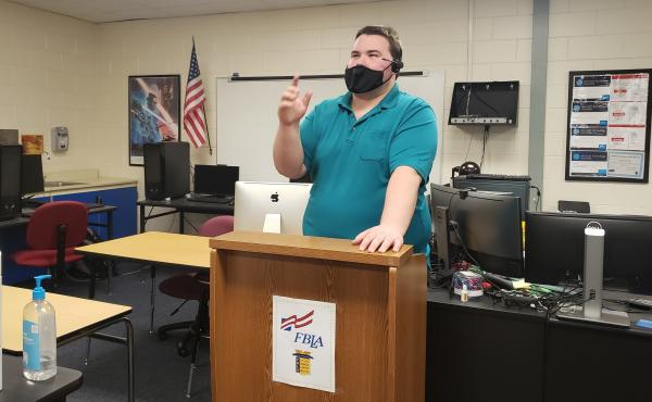 """Jason Felt teaches a cybersecurity class at Countryside High School in Clearwater, Fla. The group Cyber Florida has helped organize the program in many parts of the state, and is planning to expand its """"digital literacy"""" campaign to include topics like di"""