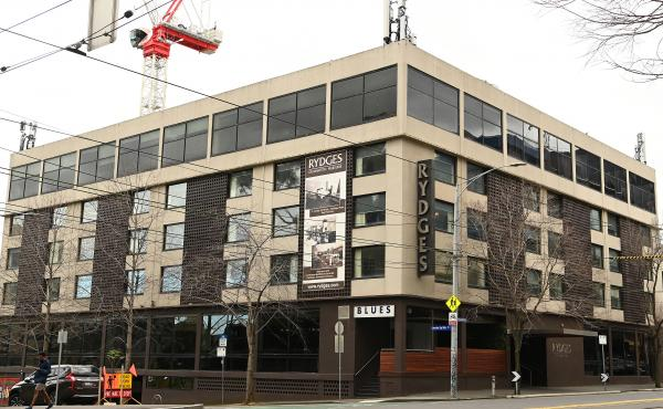 The Rydges on Swanston hotel in Australia is one of the sources of Melbourne's coronavirus outbreak after it was used to accommodate returning overseas travelers for a 14-day quarantine period.
