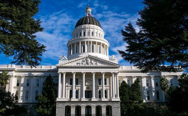 """If passed by voters, the """"California Nationhood. Initiative Constitutional Amendment and Statute"""" would remove state constitutional language making California part of the U.S. and require the governor to request admission to the United Nations."""