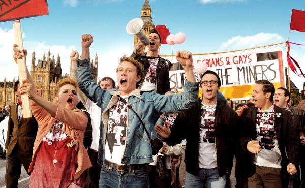 Faye Marsay, George MacKay, Joseph Gilgun and Paddy Considine play a group of London activists who march in support of Welsh miners.
