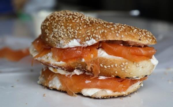 How to cut the perfect bagel.