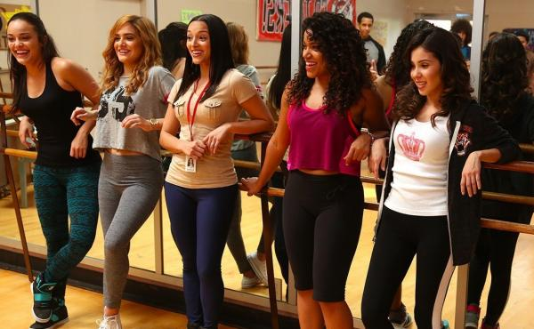 Girls at dance practice during Season 1 of East Los High.