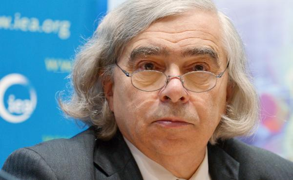 U.S. Energy Secretary Ernest Moniz takes part in a press conference at the end of the 2015 meeting of the International Energy Agency Governing Board on Nov. 18, 2015 in Paris.