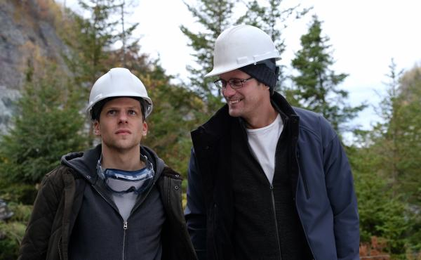 Vincent (Jesse Eisenberg) and Anton (Alexander Skarsgård) are financial traders trying to strike it rich in The Hummingbird Project.