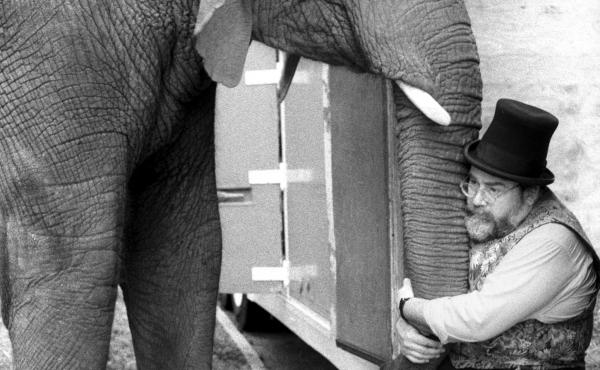 When your best friend weighs several tons, sometimes a trunk hug will have to do.