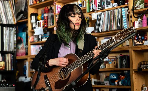 Frances Quinlan plays a Tiny Desk concert.