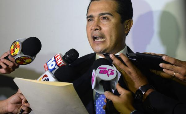 Juan Antonio Hernández, the brother of Honduran President Juan Orlando Hernández and a former congressman, was arrested in Miami on Friday. He is accused of collaborating with multiple criminal organizations in Honduras, Colombia and Mexico to smuggle t