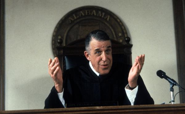 Fred Gwynne plays Judge Chamberlain Haller in the 1992 comedy My Cousin Vinny.