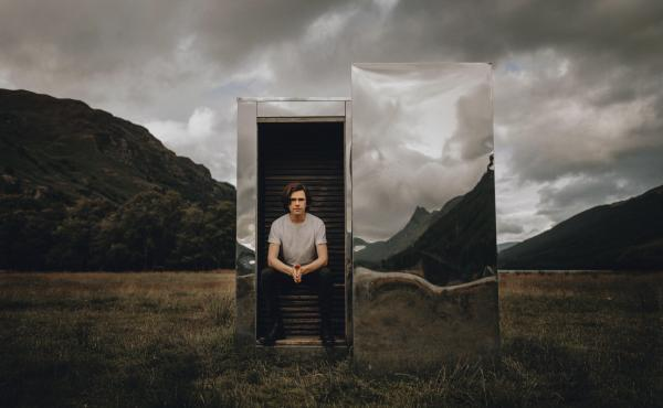"""""""Even in fragmented times, we can still find new forms of connection,"""" says mentalist Scott Silven. His new virtual show is called The Journey."""