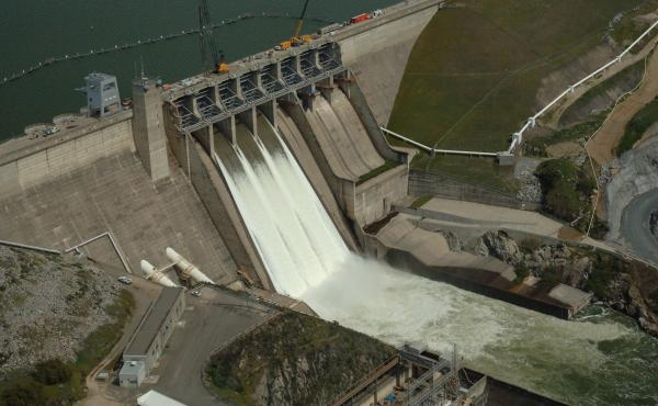 Despite the ongoing drought in California, the Folsom Lake reservoir is kept at only 60 percent capacity in the winter to prevent major flooding if a winter storm occurs. Some hope to prevent the waste of water by relying on more accurate weather predicti