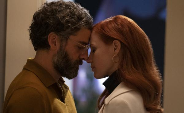 Oscar Isaac and Jessica Chastain in the HBO series Scenes From A Marriage.